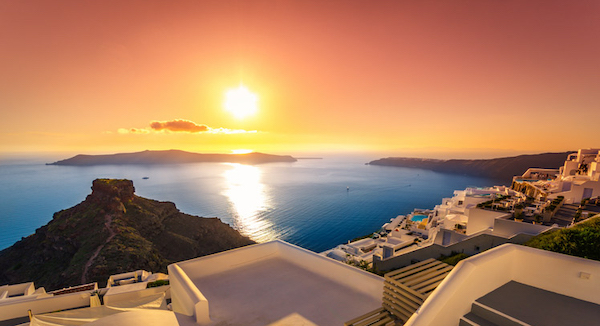 How to spend your evenings in the island of Santorini