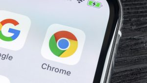 Chrome tests Google side search in the browser